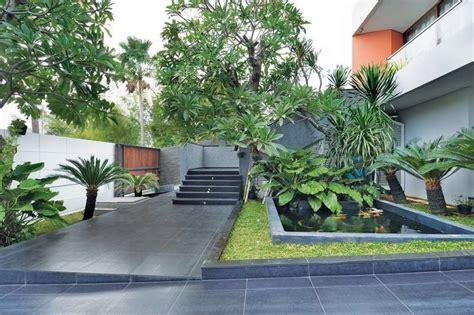 layout taman rumah desain taman minimalis yang teduh arsitag