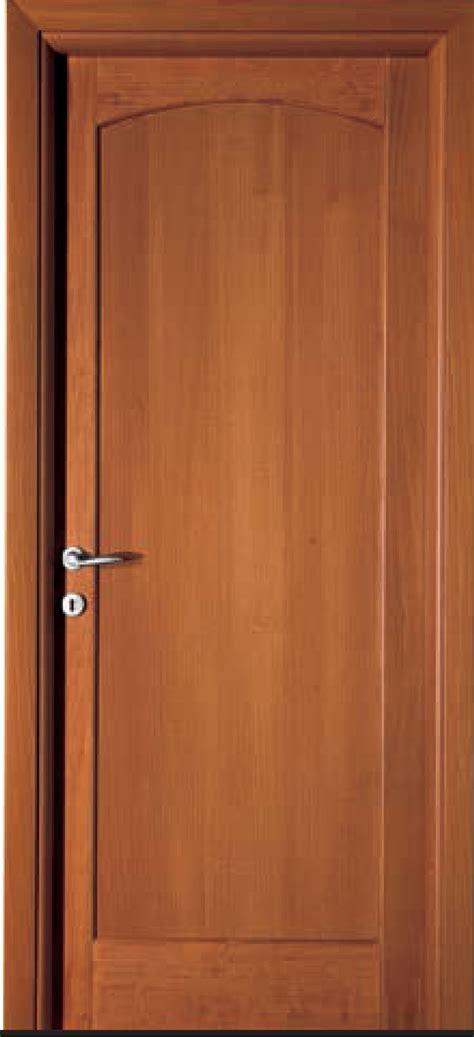 porte da interno in legno massello porta in massello di toulipier orvi serramenti roma