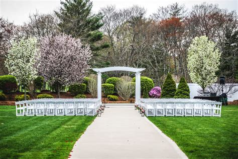 pros  cons  outdoor wedding venues saphire event group