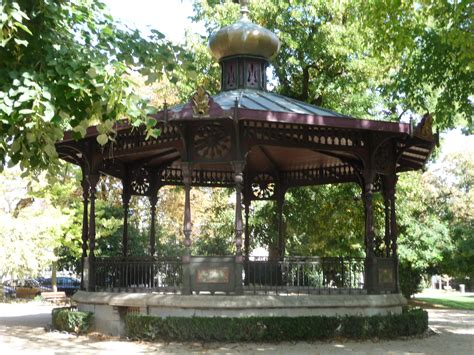 kiosque jardin file kiosque du jardin du rocher jpg wikimedia commons