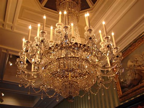 File Chandelier At Chatsworth House Jpg Wikimedia Commons Chandelier Wiki