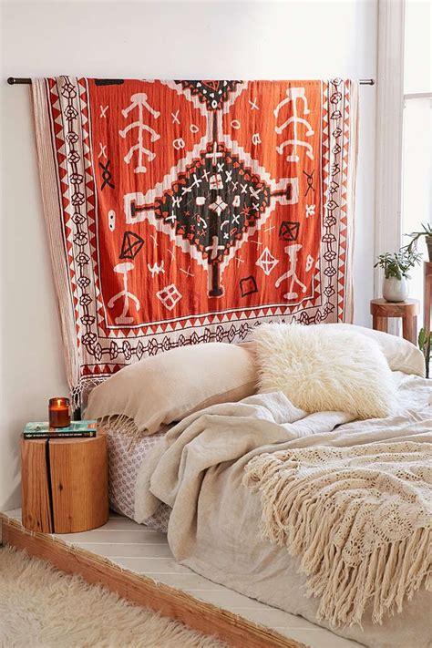 tapestry headboard best 20 hanging tapestry ideas on pinterest tapestry