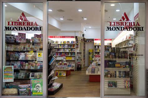 libreria universitaria reggio calabria mondadori centro commerciale porto bolaro