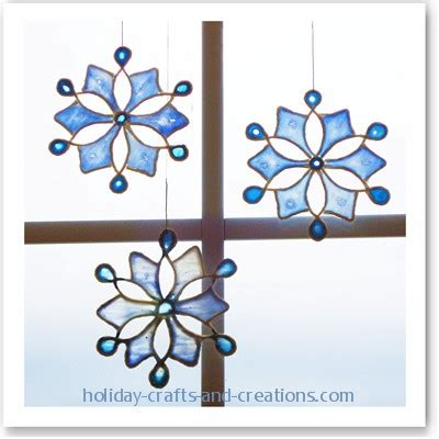 easy to make christmas ornaments stained glue snowflake