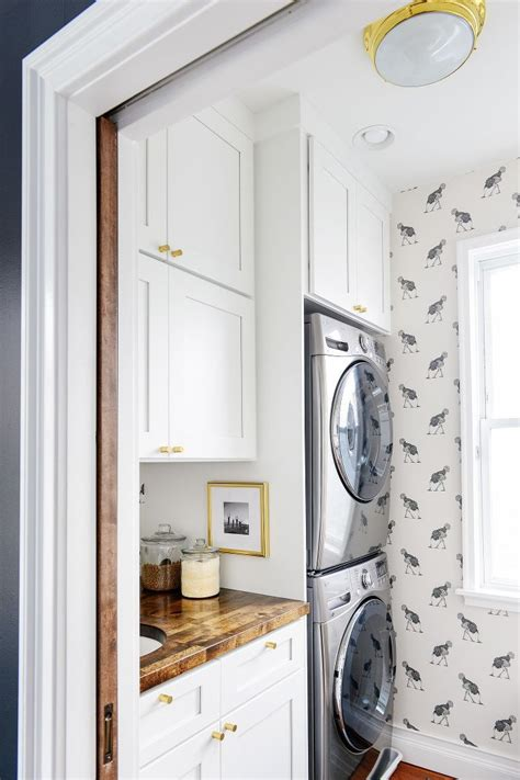 1000 Ideas About Yellow Laundry Rooms On Pinterest Yellow Laundry