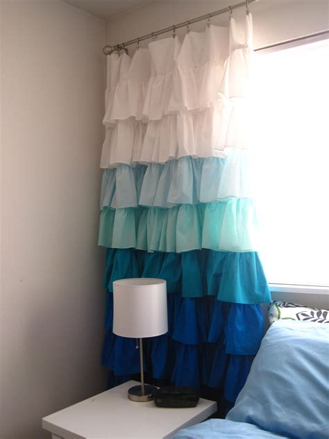 cute bedroom curtains cute diy curtains would love to have something like this