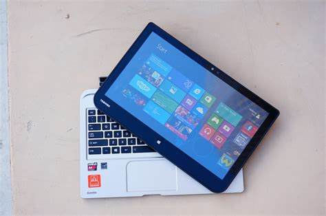 toshiba satellite click review  affordable    laptop
