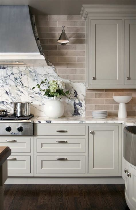 kitchen backsplash ideas with cream cabinets light grey kitchen cabinets subway tile backsplash
