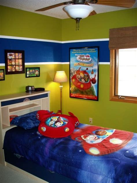 boys bedroom paint ideas 25 best ideas about red boys rooms on pinterest older