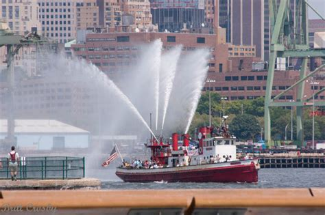 fdny fireboat john j harvey new york fdny boats 5