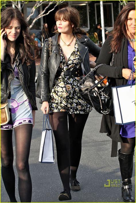 Mischa Hania Barton Shopping by Mischa Barton Takes Friends To Fred Segal Photo 2425478