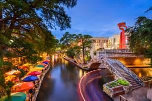 the san antonio riverwalk what to do where to stay