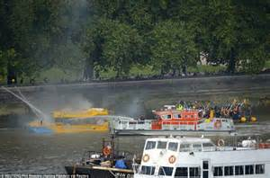 thames river jump thames duck boat fire terrified passengers jump overboard