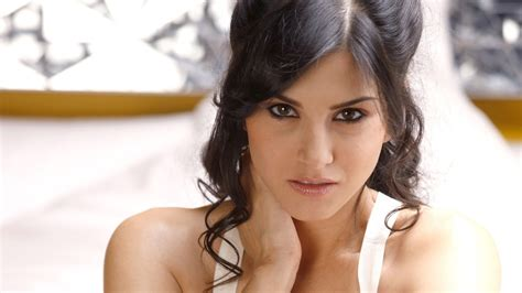 sunny leone and bf b 252 cher verkaufen fantastische 7 download sunny lonely bf