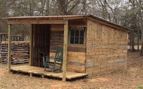 shelter houses  easy  wood pallet wood pallet ideas