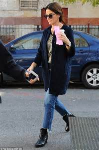 Set Premi Ny Denim bullock wears distressed denims as she heads to ny set of s eight daily mail
