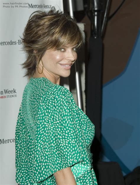 lisa rinba so thin lisa rinna s short hairdo with her hair pulled behind her ears