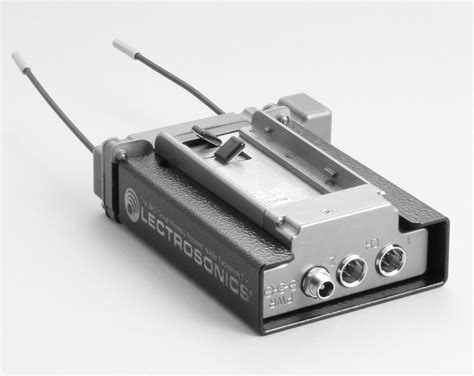 lsr le bec lsr mounting box for lectrosonics sr receivers