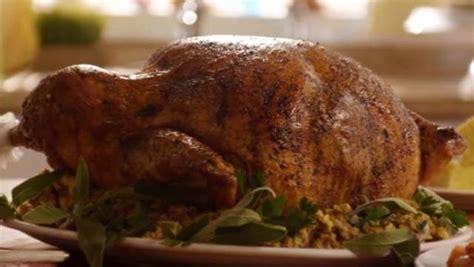 how much table salt for turkey brine how to brine a turkey simple thanksgiving recipe heavy com