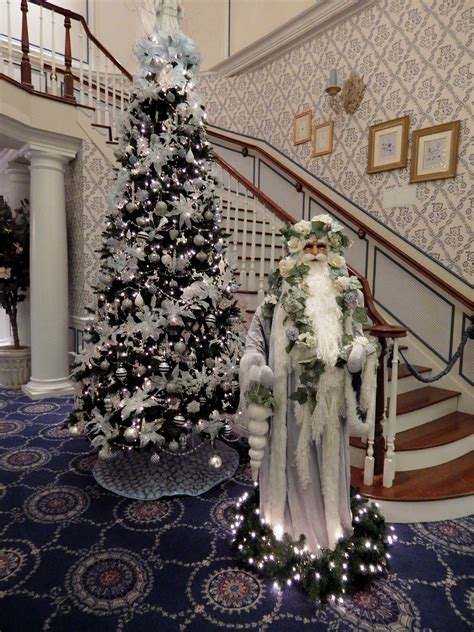savannah center laurel manor offer elegance this holiday