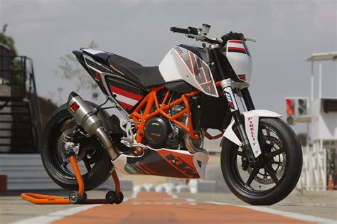 Ktm 690 Duke Powerparts Ktm Introduce The 690 Duke Track Ktm Uae