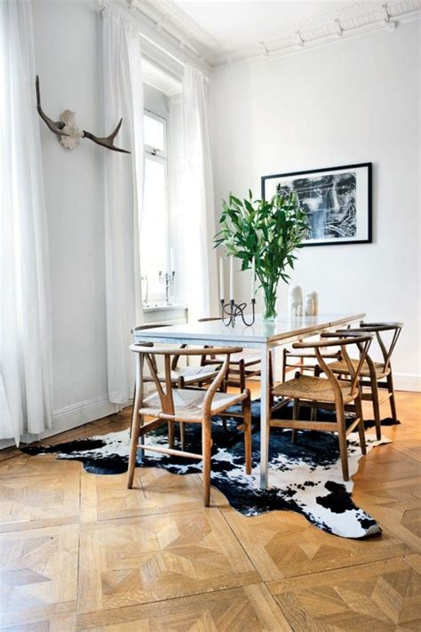 Dining Room Table For 10 kuhfell teppich ein frischer interieur akzent