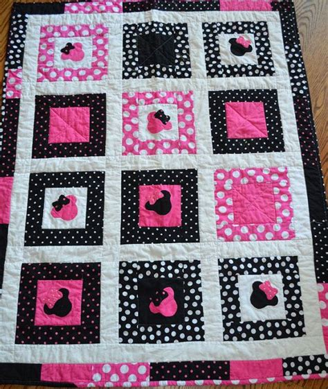 Minnie Mouse Quilt by Minnie Mouse Patch Quilt