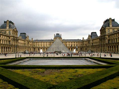 the louvre all the interesting facts about the louvre museum impressive magazine