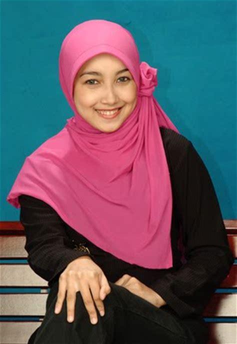 Jilbab Modern Simple Cara Mudah Memasang Atau Mengenakan Simple Modern