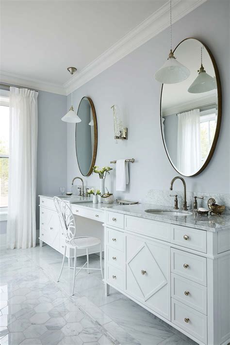 Sarah off the Grid: Master Bathroom