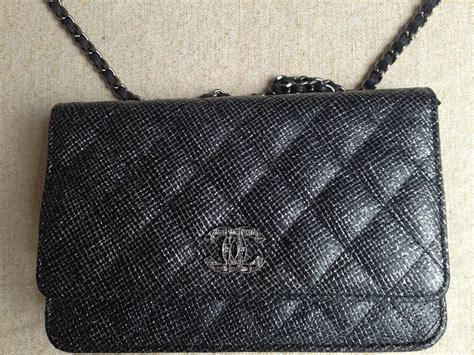 Chanel Gst Caviat Semprem what s in my bag woc edition simply v