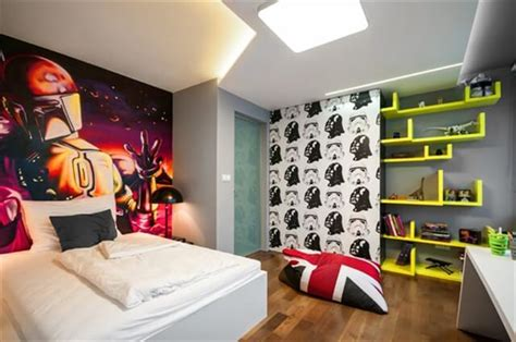 how to make space in a small bedroom how to make a small and crowded room look bigger diy and