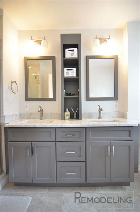 Bathroom With Two Vanities by Best 25 Master Bathroom Vanity Ideas On