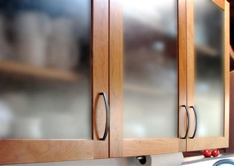 How To Add Glass To A Cabinet Door 12 Easy Ways To Update Kitchen Cabinets Kitchen Ideas Design With Cabinets Islands