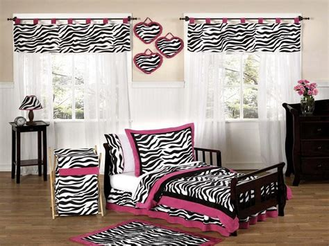 zebra print bedroom ideas bloombety zebra room decorating ideas for teenagers