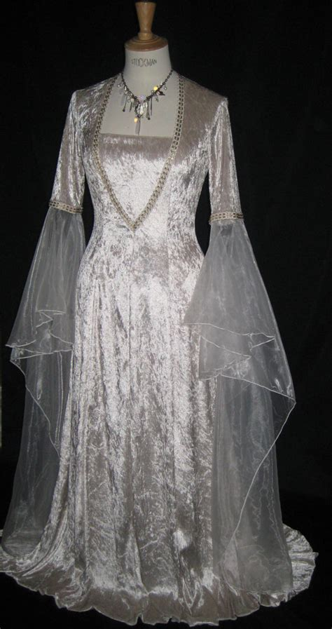 Musetta un abito da sposa digiuno mano elfica medievale e