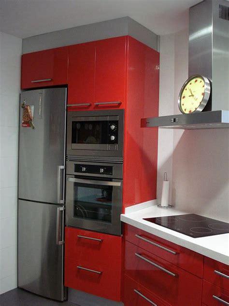 cocinas blancas y rojas m 225 s de 25 ideas fant 225 sticas sobre arreglos de flores rojas