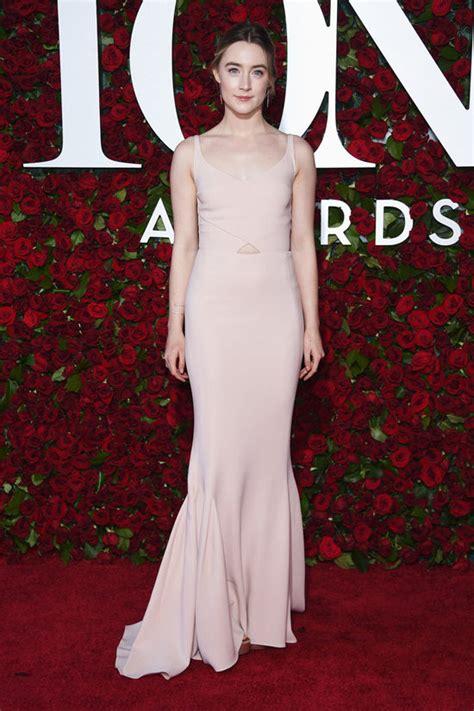 How Stila Gives You The Carpet Look by Tony Awards 2016 Saoirse Ronan In Stella Mccartney Tom