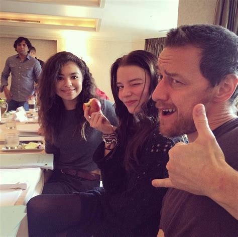 james mcavoy director james mcavoy with anya taylor joy jessica sula and