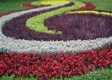 Flower Gardens Ideas Spiral Colorful Flower Garden Ideas Extraordinary Flower Garden Design