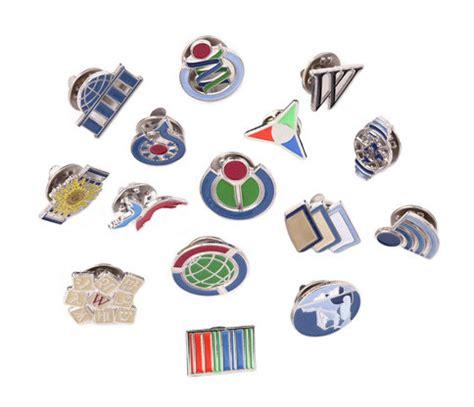 pin designer lapel pin wikipedia