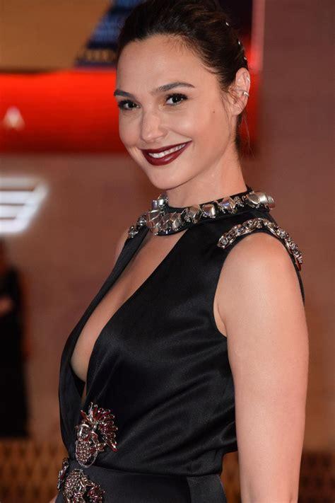 gal gadot gal gadot at wonder woman premiere in mexico city 05 27