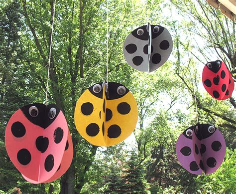 How To Make Paper Ladybugs - twirling paper ladybugs make and takes