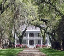 southern plantation style homes best 25 southern plantations ideas on