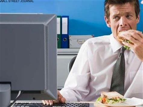 Lunch At Desk by Do You Leave Work For Lunch Table Hopping