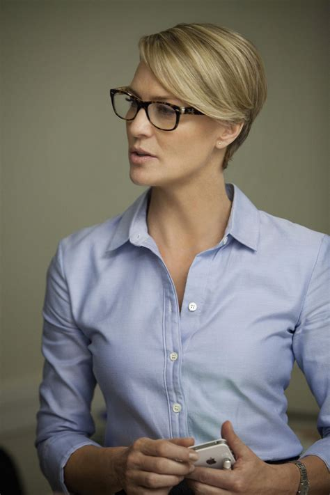 what to know about robin wrights house of cards style house of cards robin wright in un episodio della serie