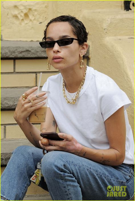 10 Hip And Zoe Kravitz Looks by Zoe Kravitz Looks Cooler Than Anyone Else On A Coffee Run