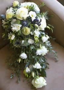 how to make bridal bouquets wedding bouquet cascade how to make the wedding specialiststhe wedding specialists