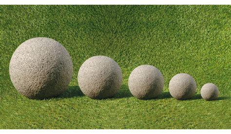 sfere da giardino lanterne e sfere