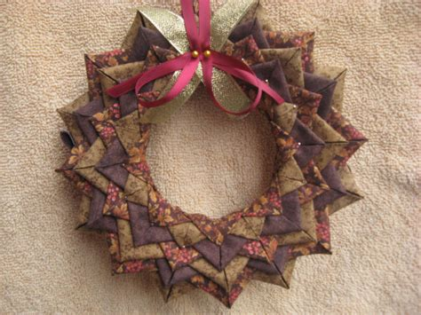Patchwork Wreath Pattern - wreath quilted no sew ornament complete
